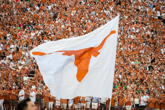 Texas Longhorns flag horns up, limes in