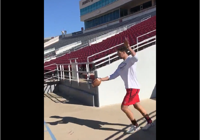 Dominic Panazzolo trick shot