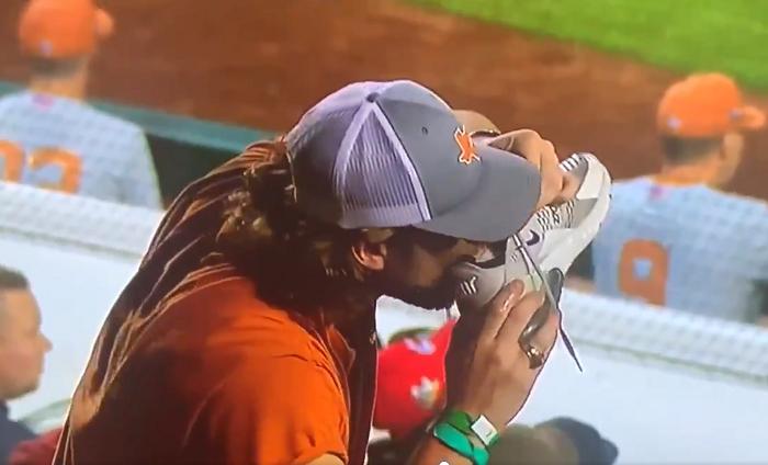 texas baseball fan chugs